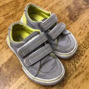 SPERRY Canvas Velcro Toddler Sneakers. Size 6.5